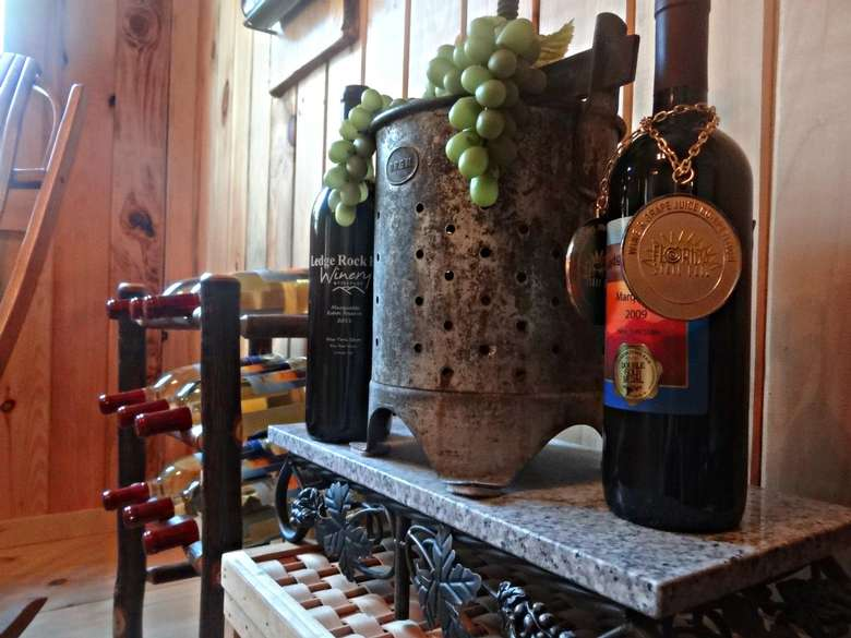 awards won by ledge rock hill winery