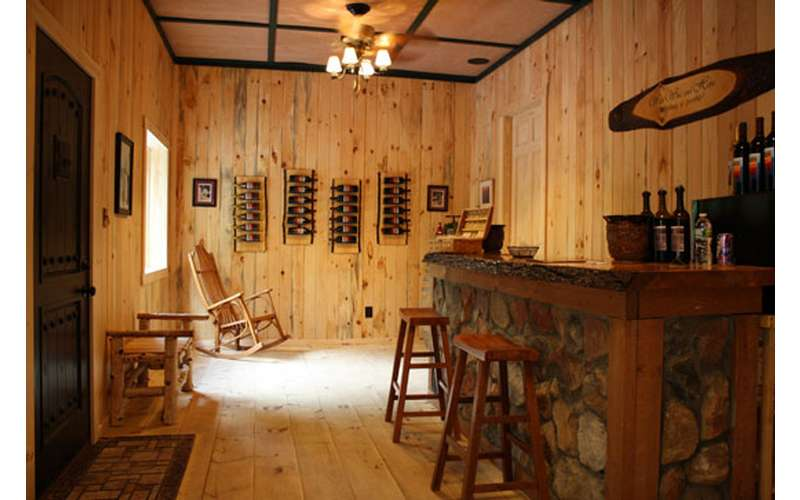 the adirondack tasting room at ledge rock hill winery