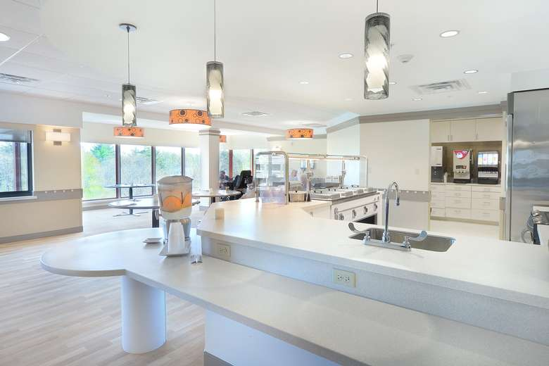 Dining area within 5 Springs of Wesley Health Care Center