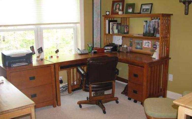 de-cluttered home office after organization process