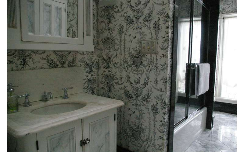 The Mohawk Victorian Bathroom