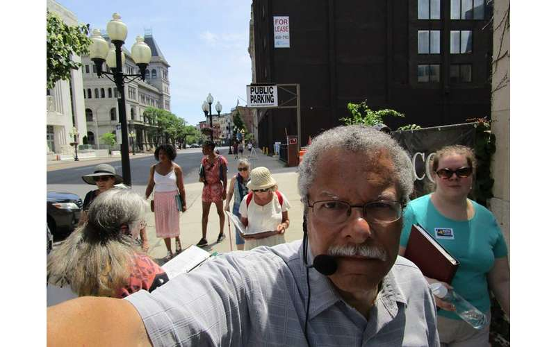 walking tour guide in downtown Albany