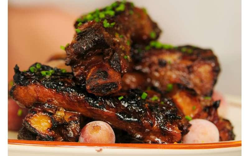 Carolina ribs on a plate