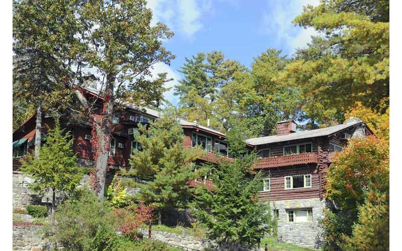 view of lodge through trees