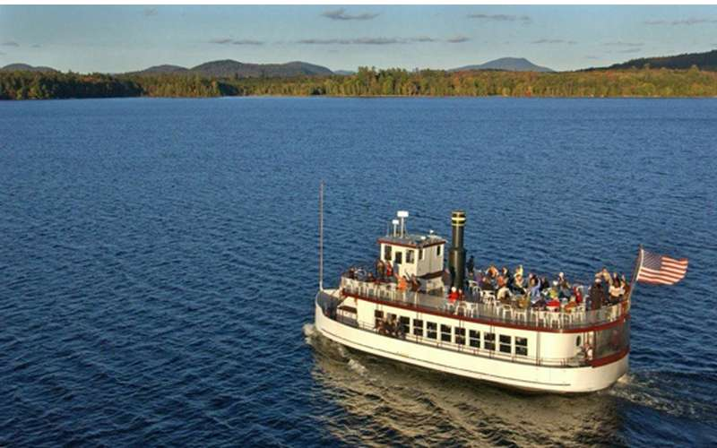 Take A Cruise On The Gorgeous Raquette Lake In The