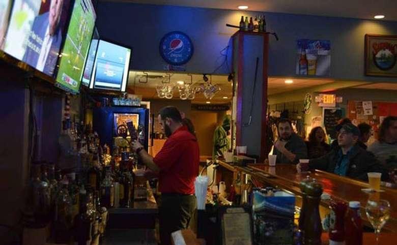 Bogey's Pub & Grill (3)