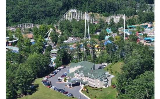 aerial view of country inn and suites and the great escape
