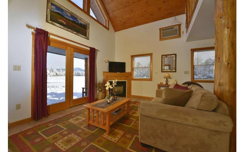 Living Room of the 2 Bedroom Mallard Cottage