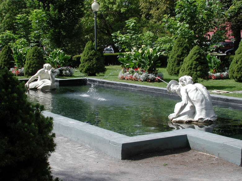 spit and spat fountains in saratoga's congress park