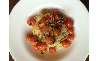 angel hair pasta with bherry tomatoes