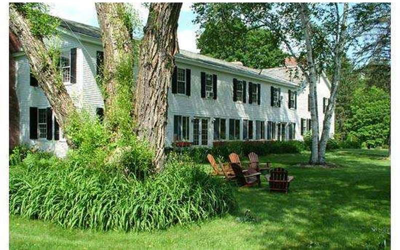 Silver Spruce Inn Bed & Breakfast (2)
