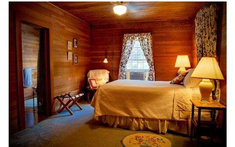 Silver Spruce Inn Bed & Breakfast (7)