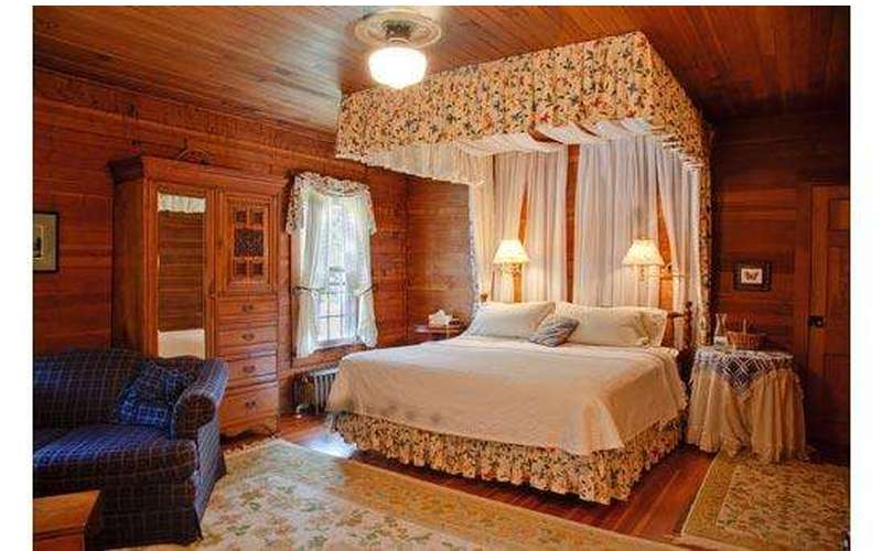 Silver Spruce Inn Bed & Breakfast (8)
