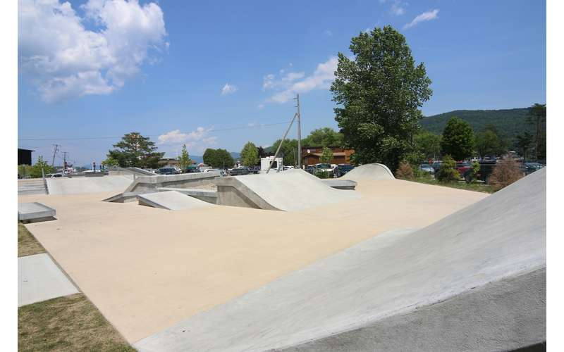 Lake George Skate Plaza (2)