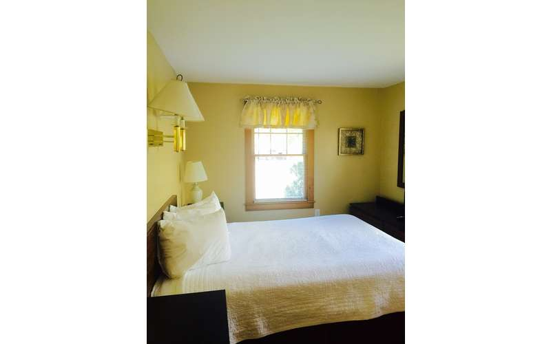 Large bedroom with 2 queen beds.