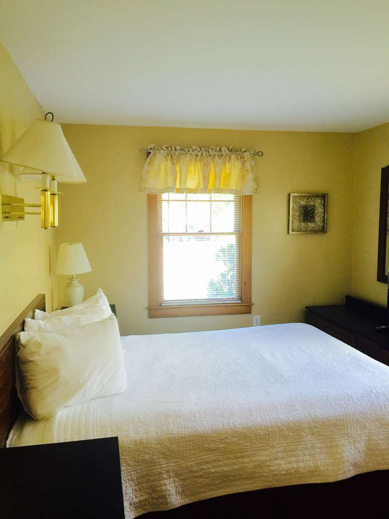 Picture of: Three Bedroom Lake George House Rental In The Village With Heated Pool