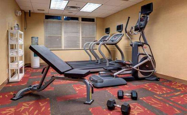 exercise equipment in fitness center of courtyard marriott lake placid