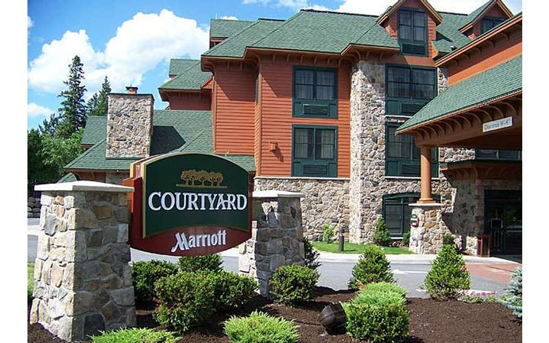 Courtyard Lake Placid Exterior