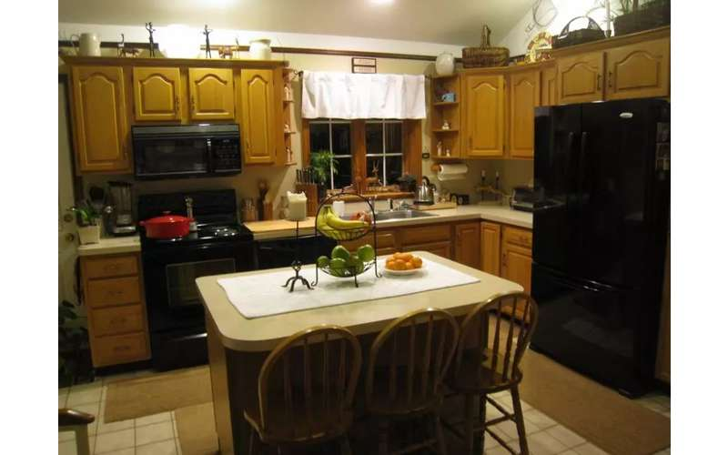 Spacious kitchen with breakfast served until 9:30 am