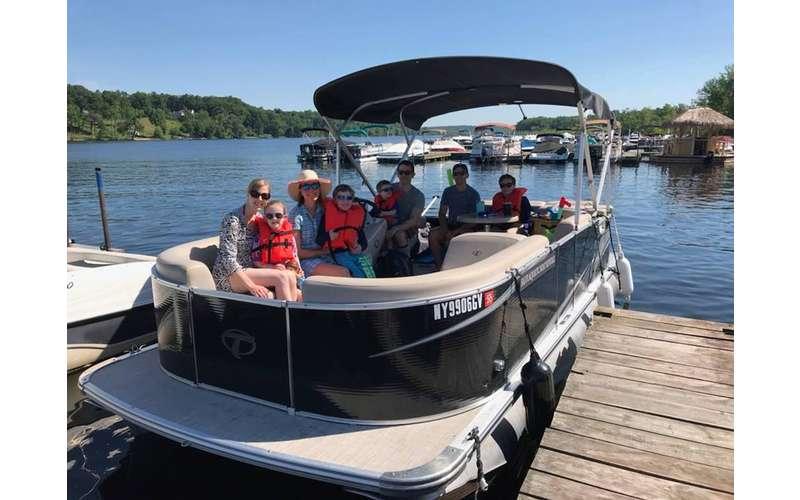 Salvi Aquatic Boat Rentals (5)