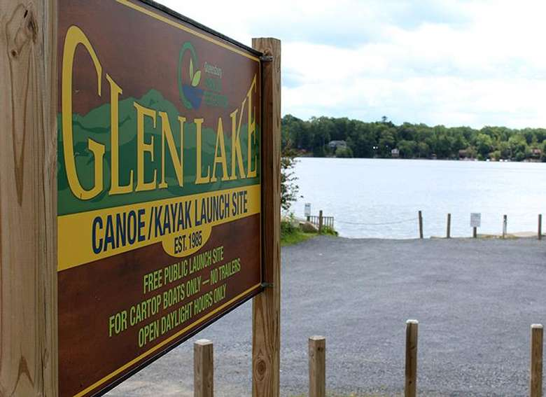 Glen Lake canoe launch sign