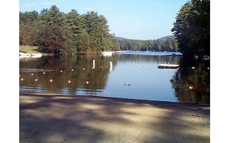 Loon Lake 3 minutes drive or ride your bicycle