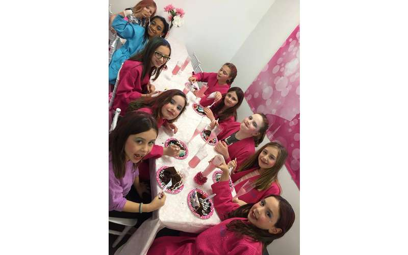 SPRINKLES Teen & Kids Hair Salon and Birthday Parties!! (11)
