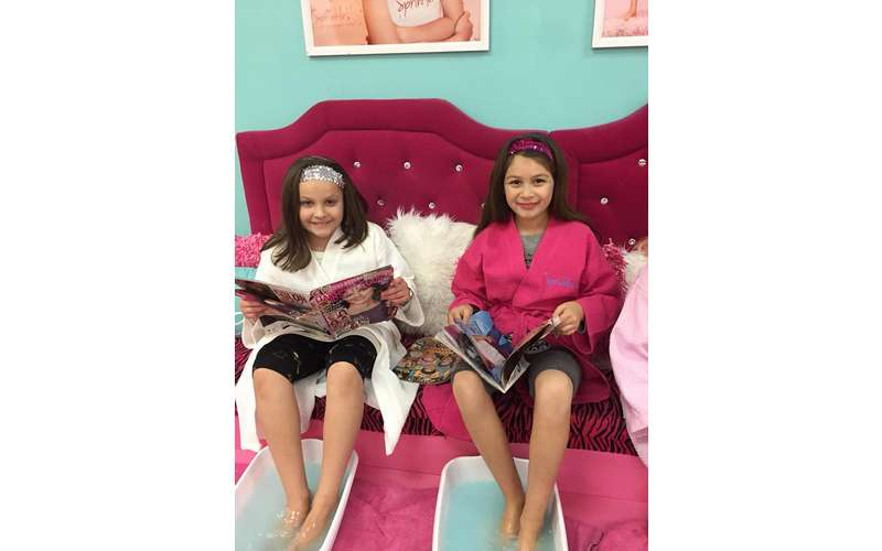 SPRINKLES Teen & Kids Hair Salon and Birthday Parties!! (13)