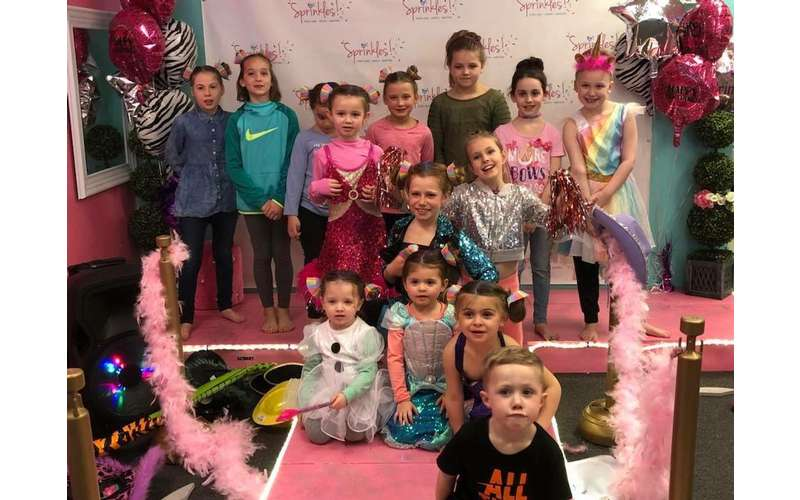 SPRINKLES Teen & Kids Hair Salon and Birthday Parties!! (14)