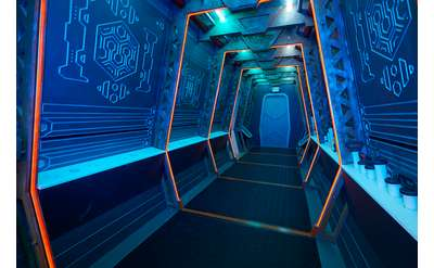 Spaceship service corridor at 5 Wits