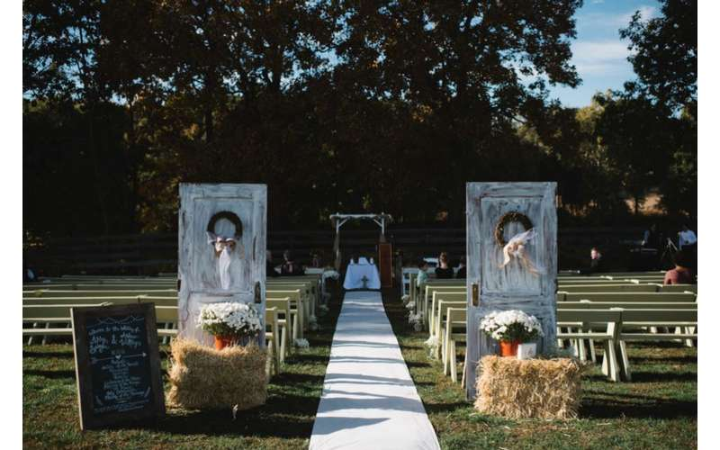 Tie the knot outdoors in a scenic ceremony space.