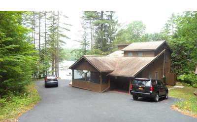 Summersong on Friends Lake is in an ideal location to get away from it all with the family.