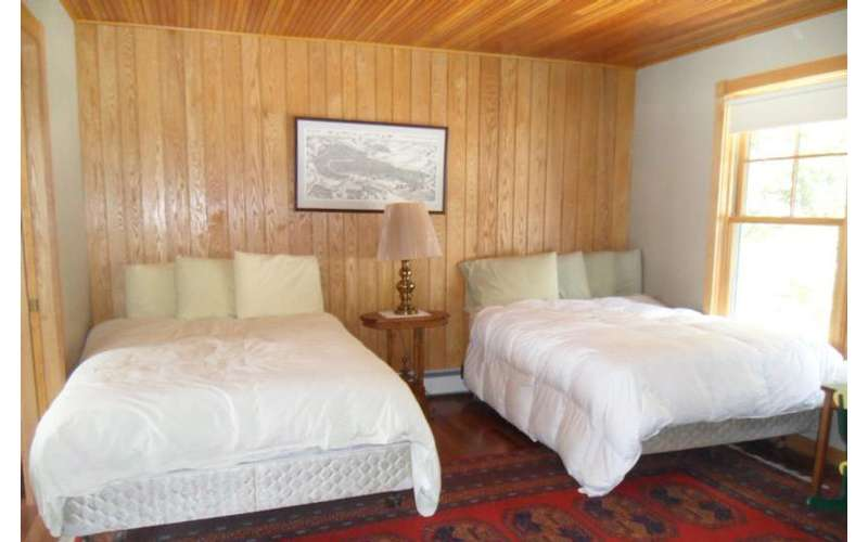 Adirondack Dreaming can accommodate 18 guests, including children.