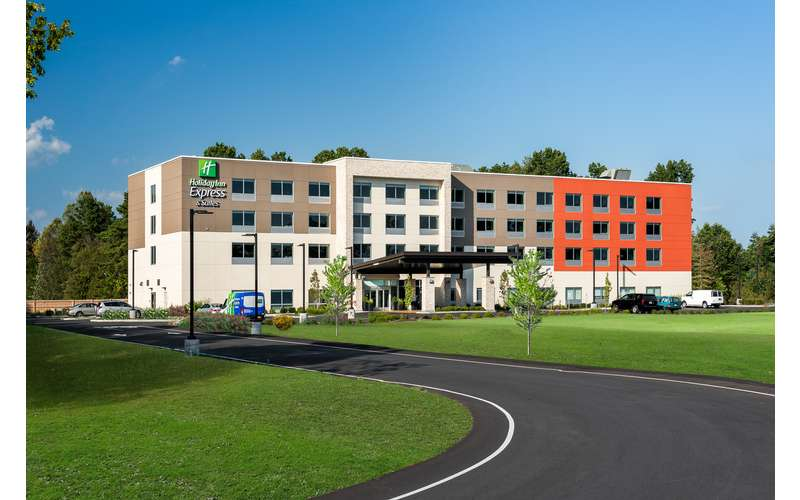 Holiday Inn Express & Suites Queensbury - Lake George Area (13)
