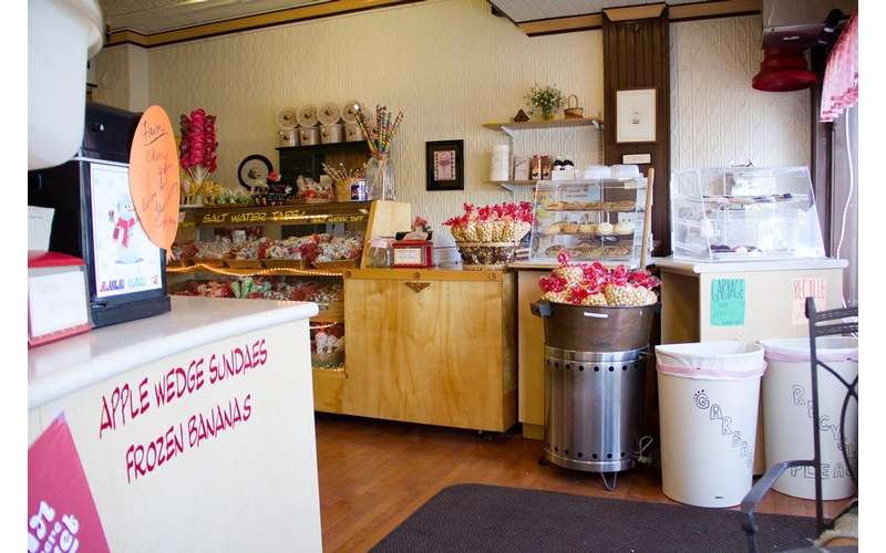 interior photo of Nina's Sweet Shoppe