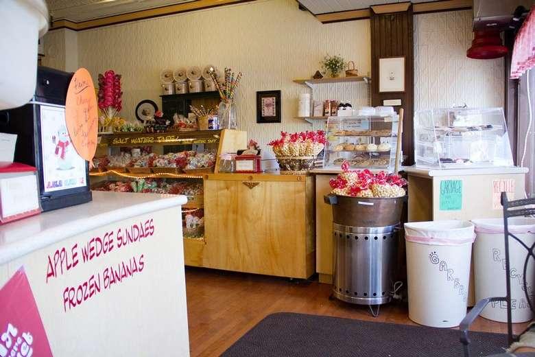 interior photo of Nina's Sweet Shoppe
