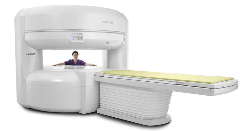 The wide and comfortable Hitachi Oasis 1.2T Open MRI