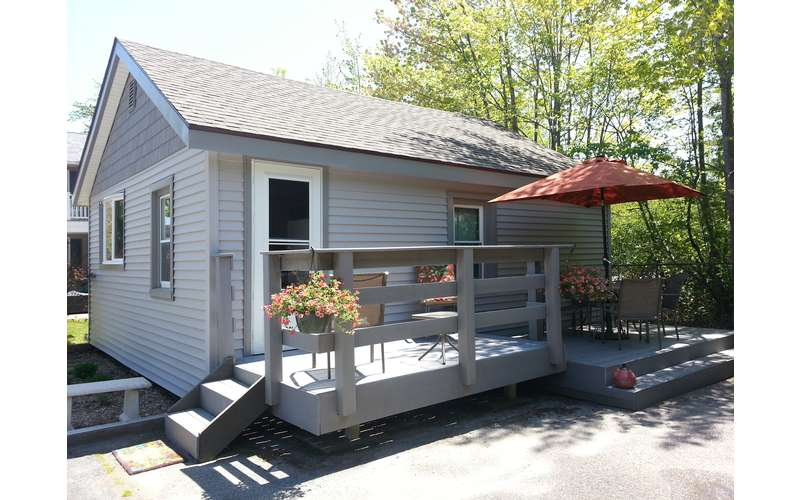 2 bedroom lake george cottage rental in bolton landing ny for M s bedrooms bolton