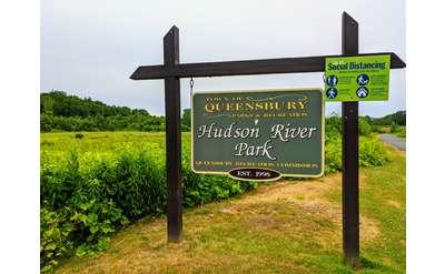 Hudson River Park sign
