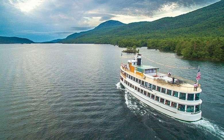 adirondac boat on lake george