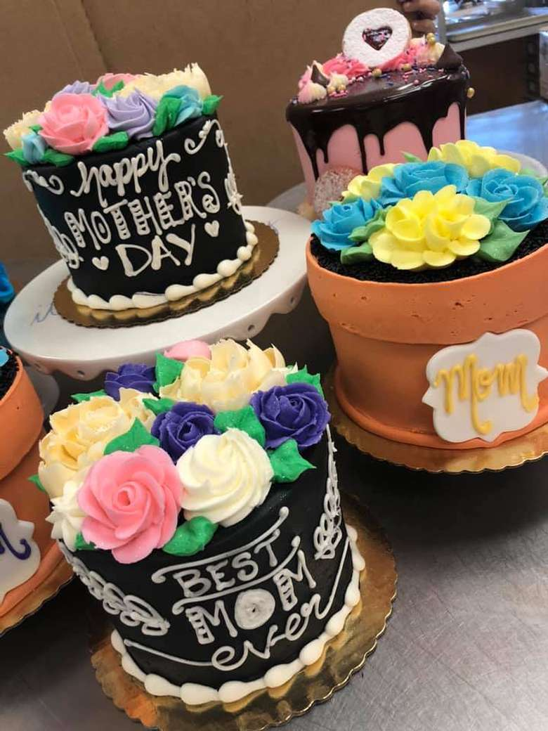 colorful custom mother's day cakes