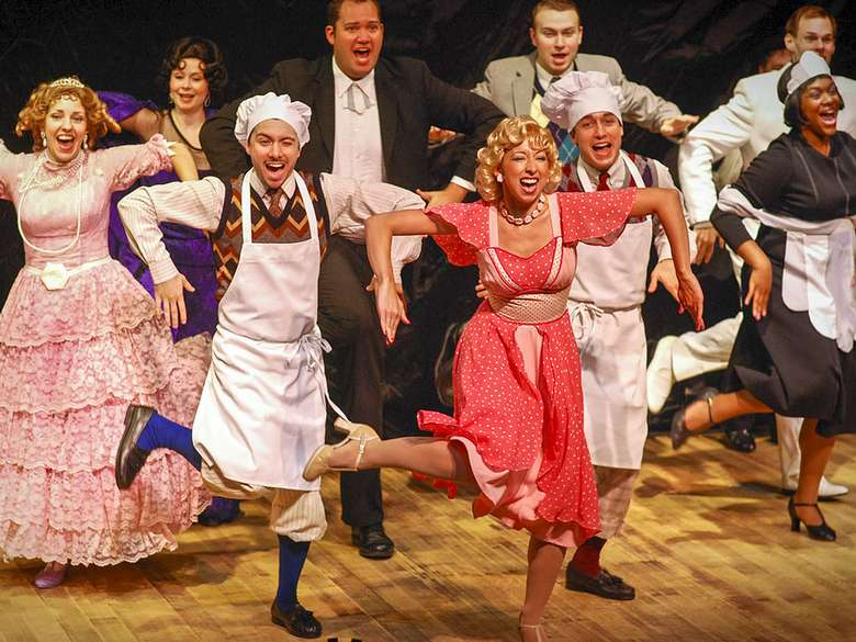 cast of Drowsy Chaperone dancing