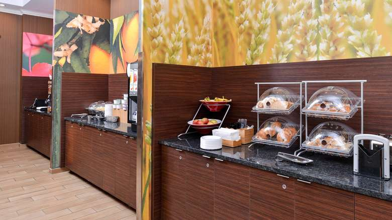 breakfast options at Fairfield Inn and Suites
