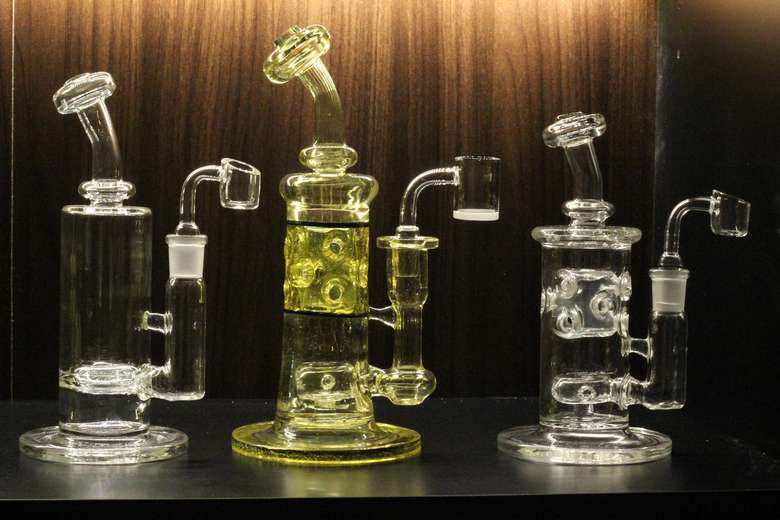American Hand blown glass - 710 Science