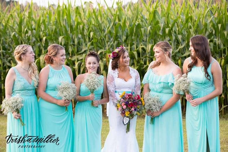 bride with five bridesmaids
