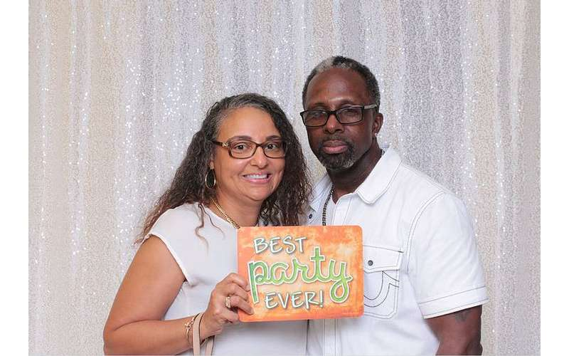 couple in photo booth photo