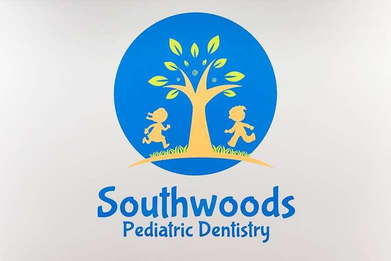 logo for southwoods pediatric dentistry