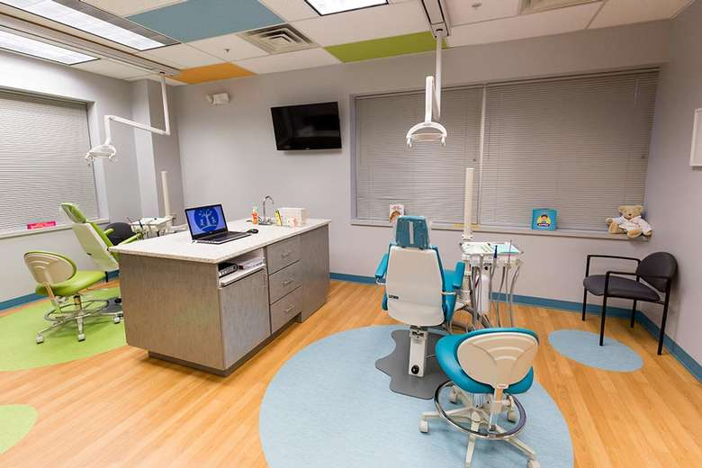 x ray machine in a dentist's room