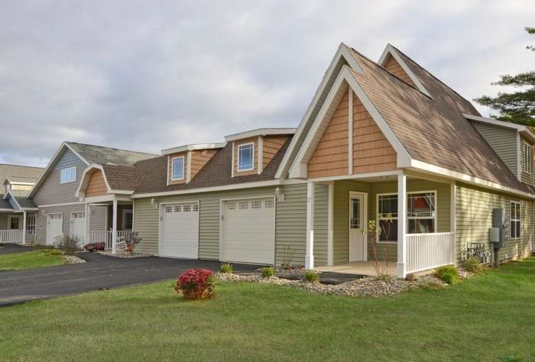 cottage homes with two garages