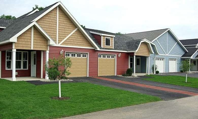 homes with driveways